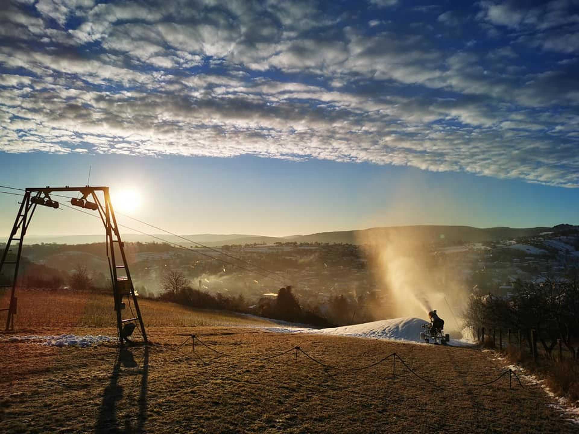 Hóágyúzás a rétfalui sípályán