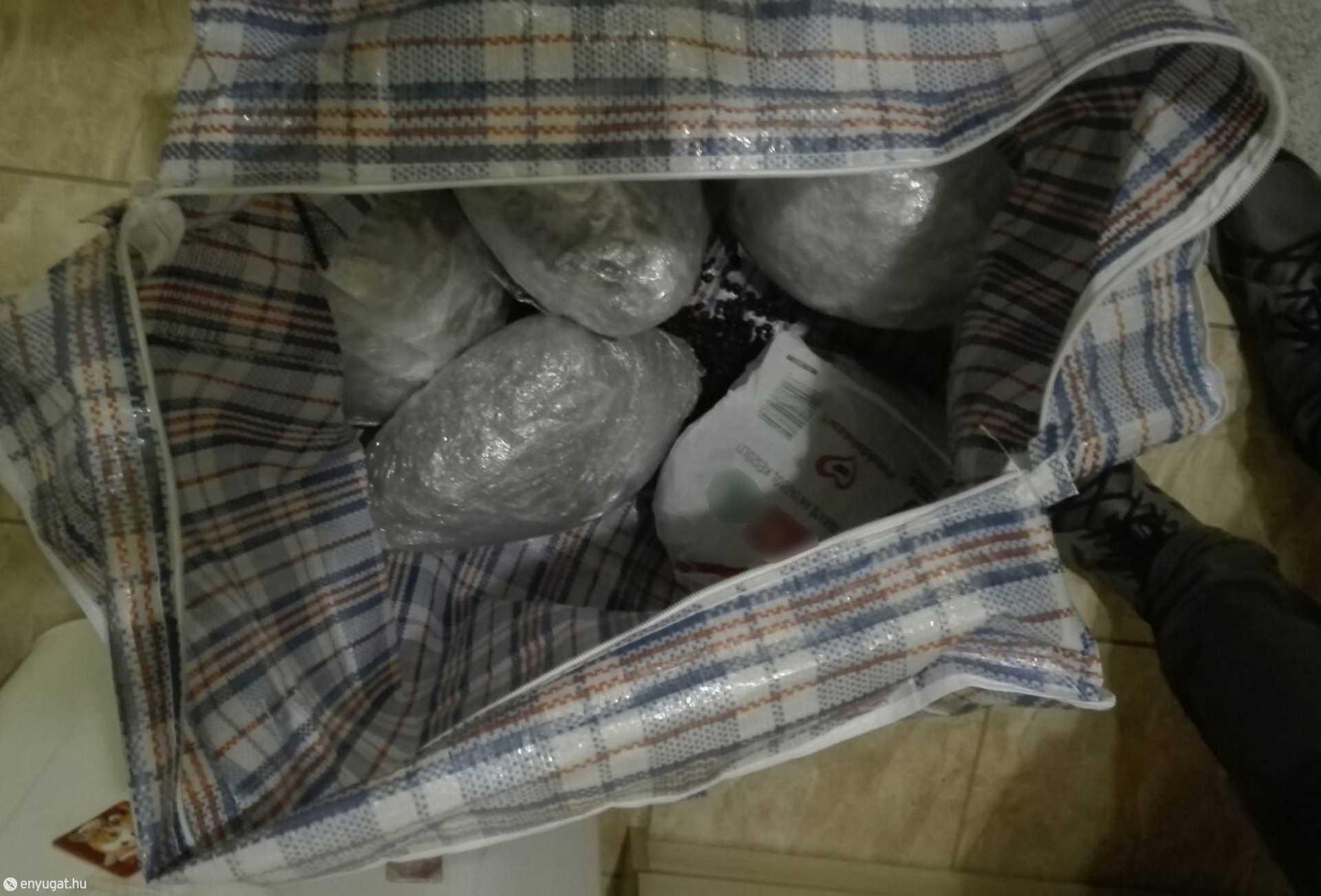 Rengeteg drogot találtak a hálózat felszámolásakor.