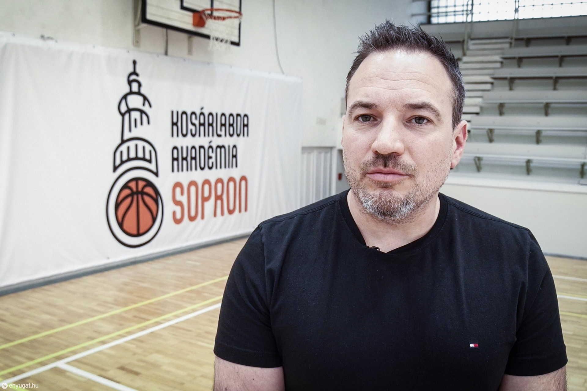 Horváth József szakmai igazgató.