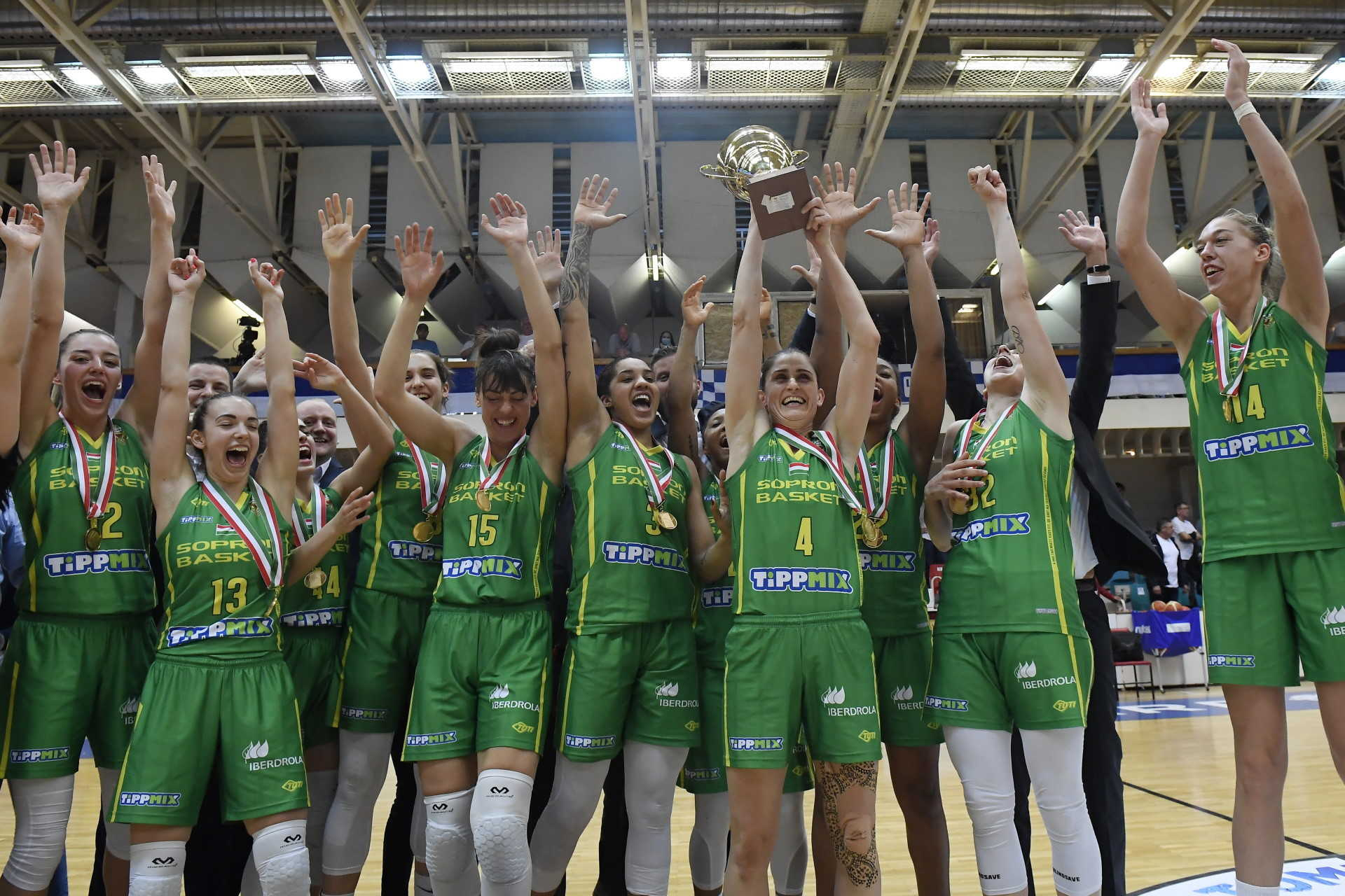 14-edszer bajnok a Sopron Basket