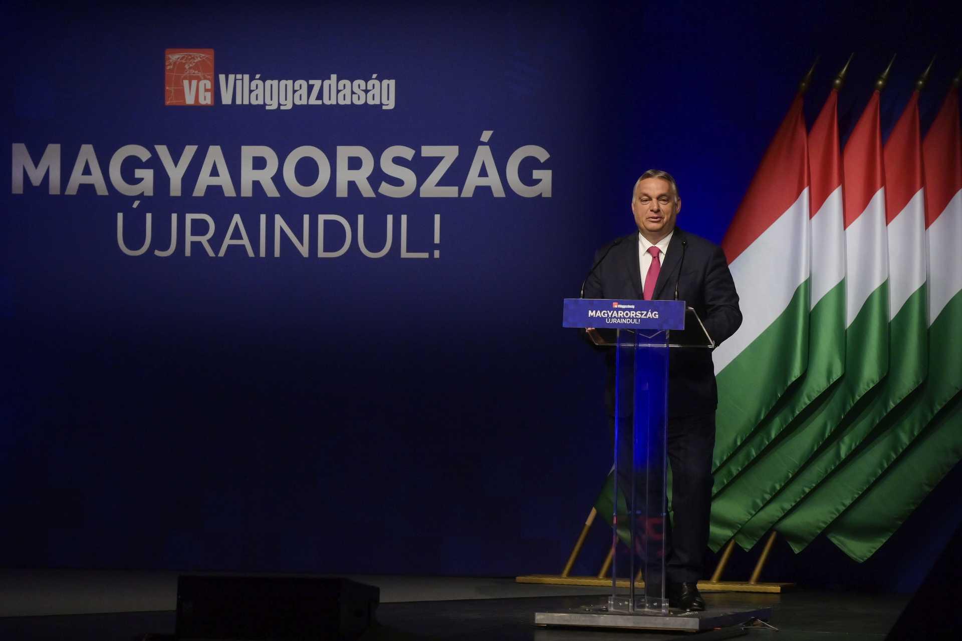 Orbán Viktor miniszterelnök beszédet mond a Világgazdaság üzleti napilap Magyarország újraindításáról szervezett konferenciáján a Budapest Kongresszusi Központ 2021. június 9-én.