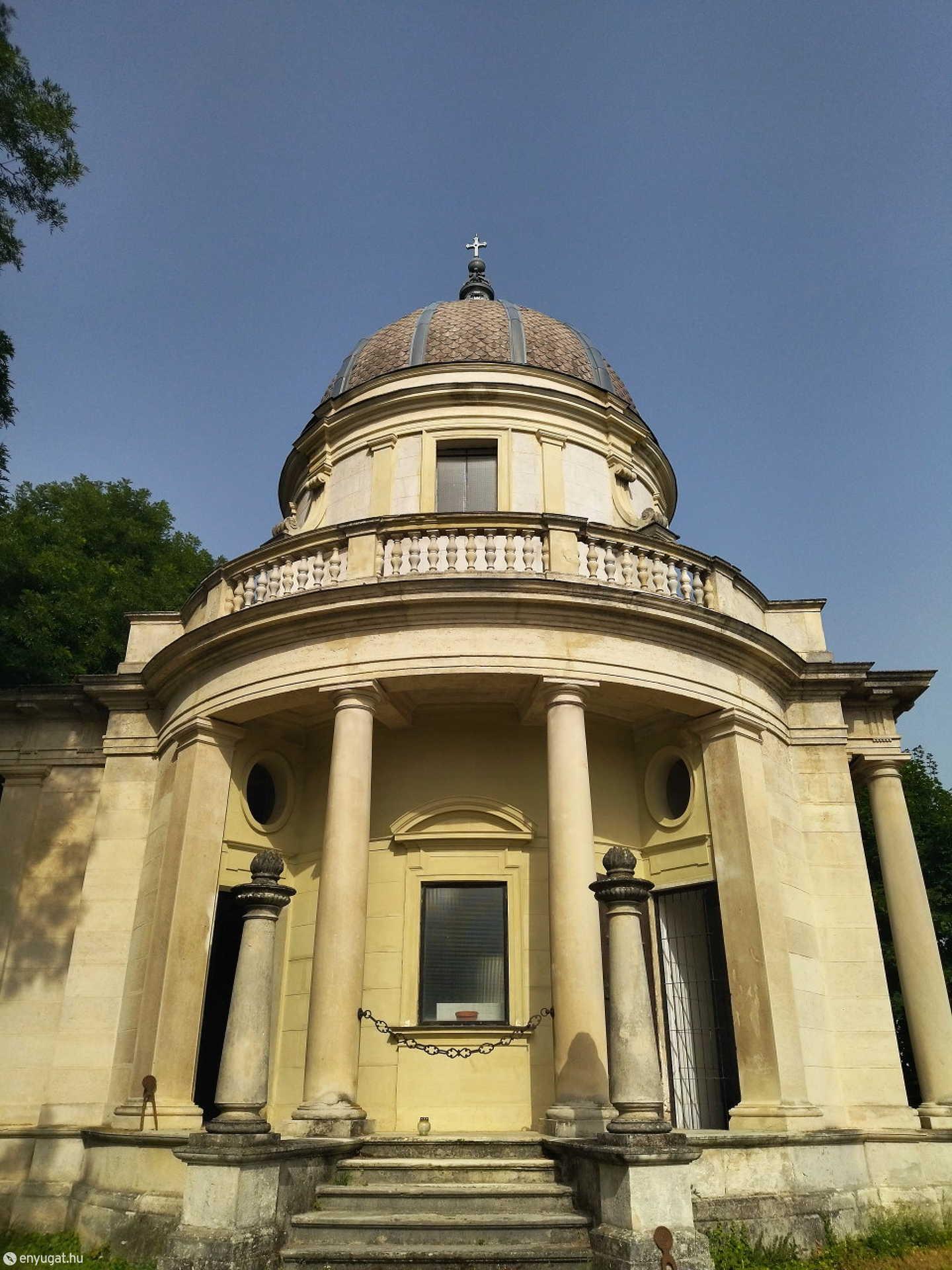 Közel másfélszáz éve temetkeznek ide a Lenck-család leszármazottai.
