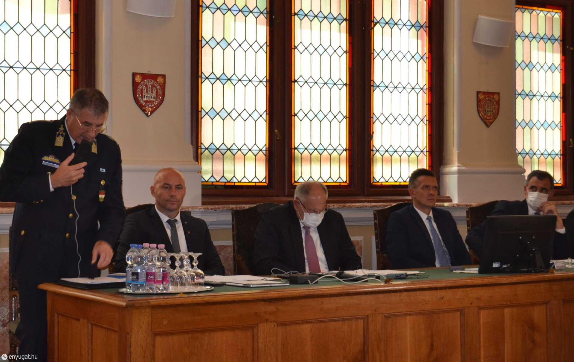 Szabó Jenő rendőrkapitány válaszolt a képviselők kérdéseire.