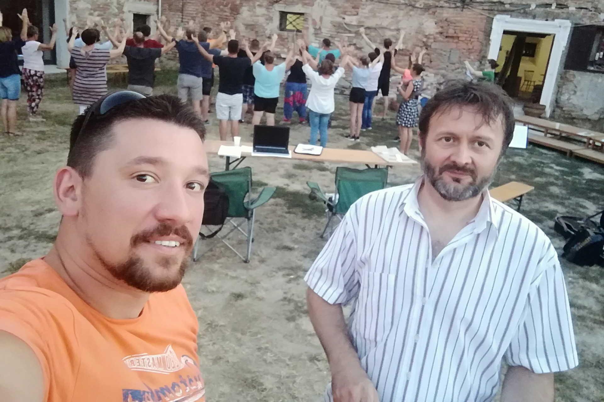 Betuker Botond, a GYIK új szakmai vezetője, valamint dr. Kovács András, a Szent Orsolya Gimnázium igazgatója