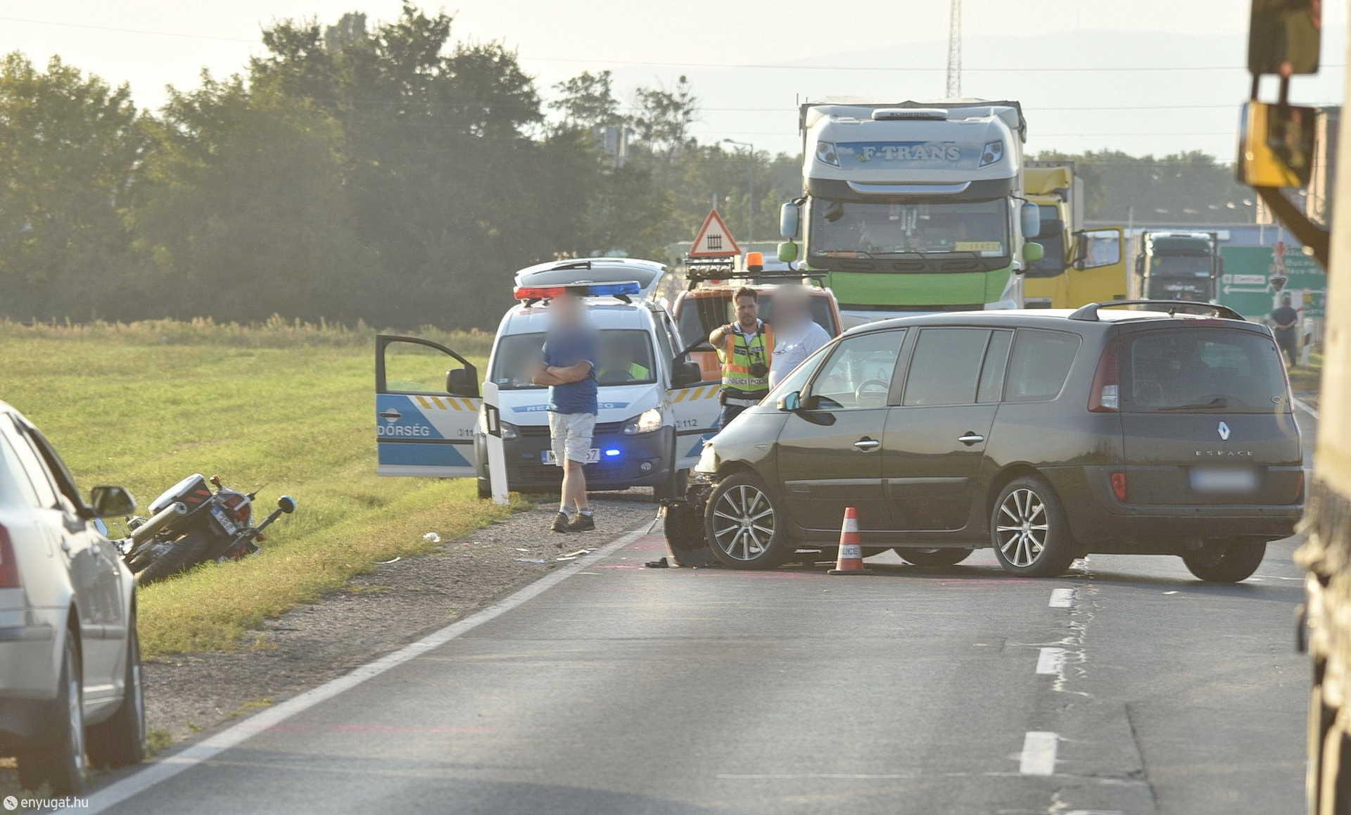 Rendőrmotoros baleset