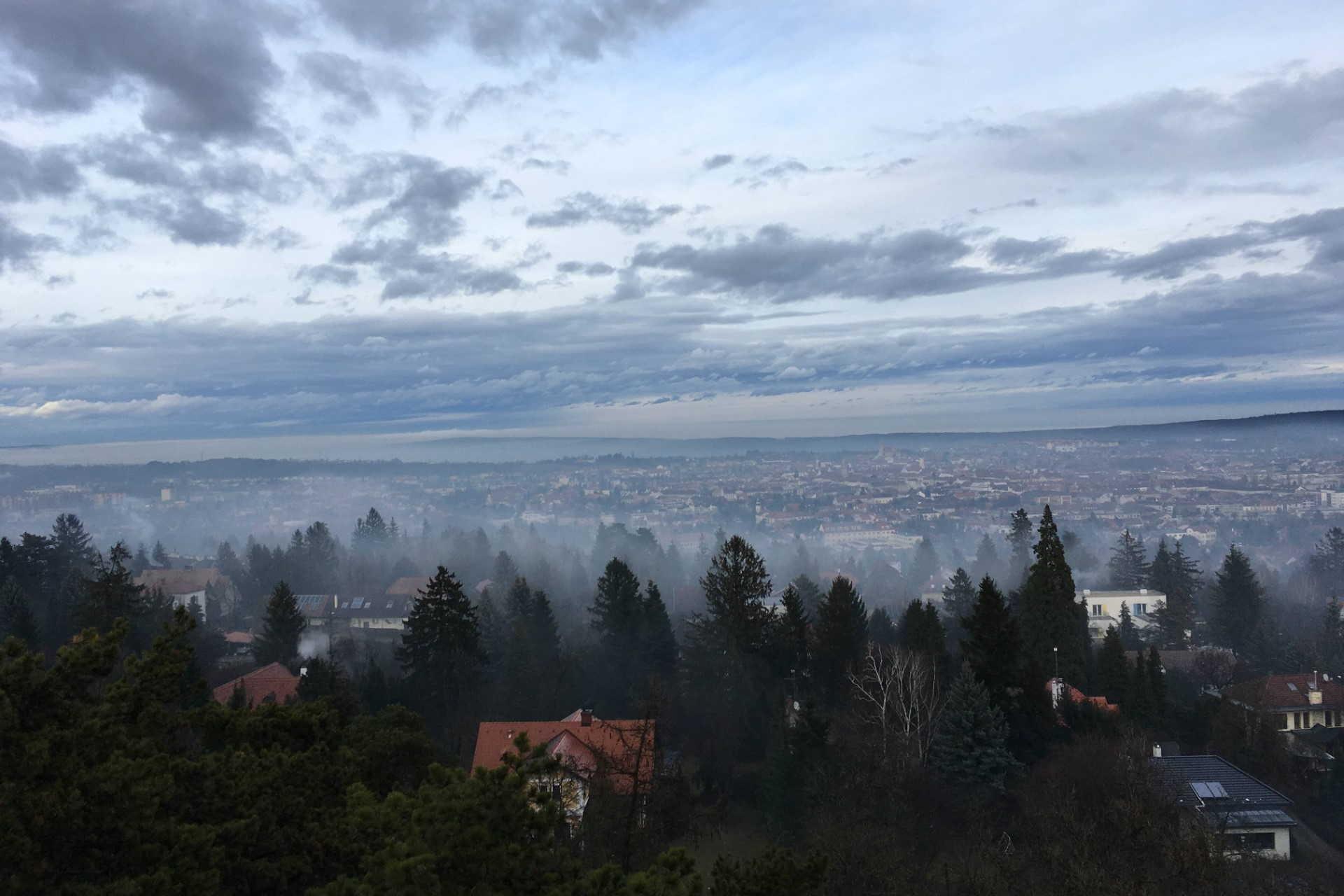 Ködös város