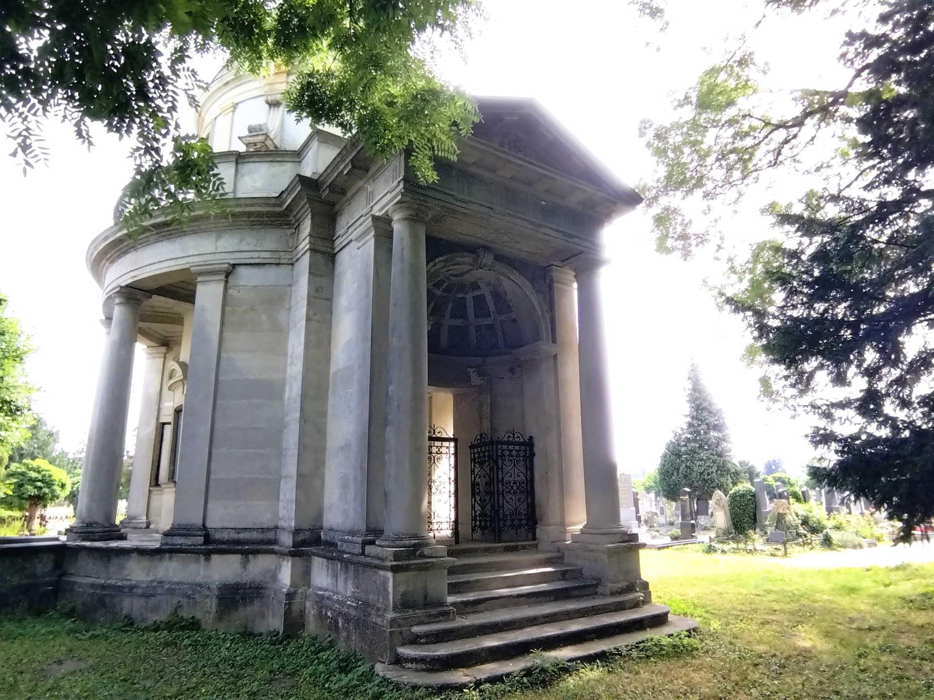 Lenck mauzóleum a soproni temetőben