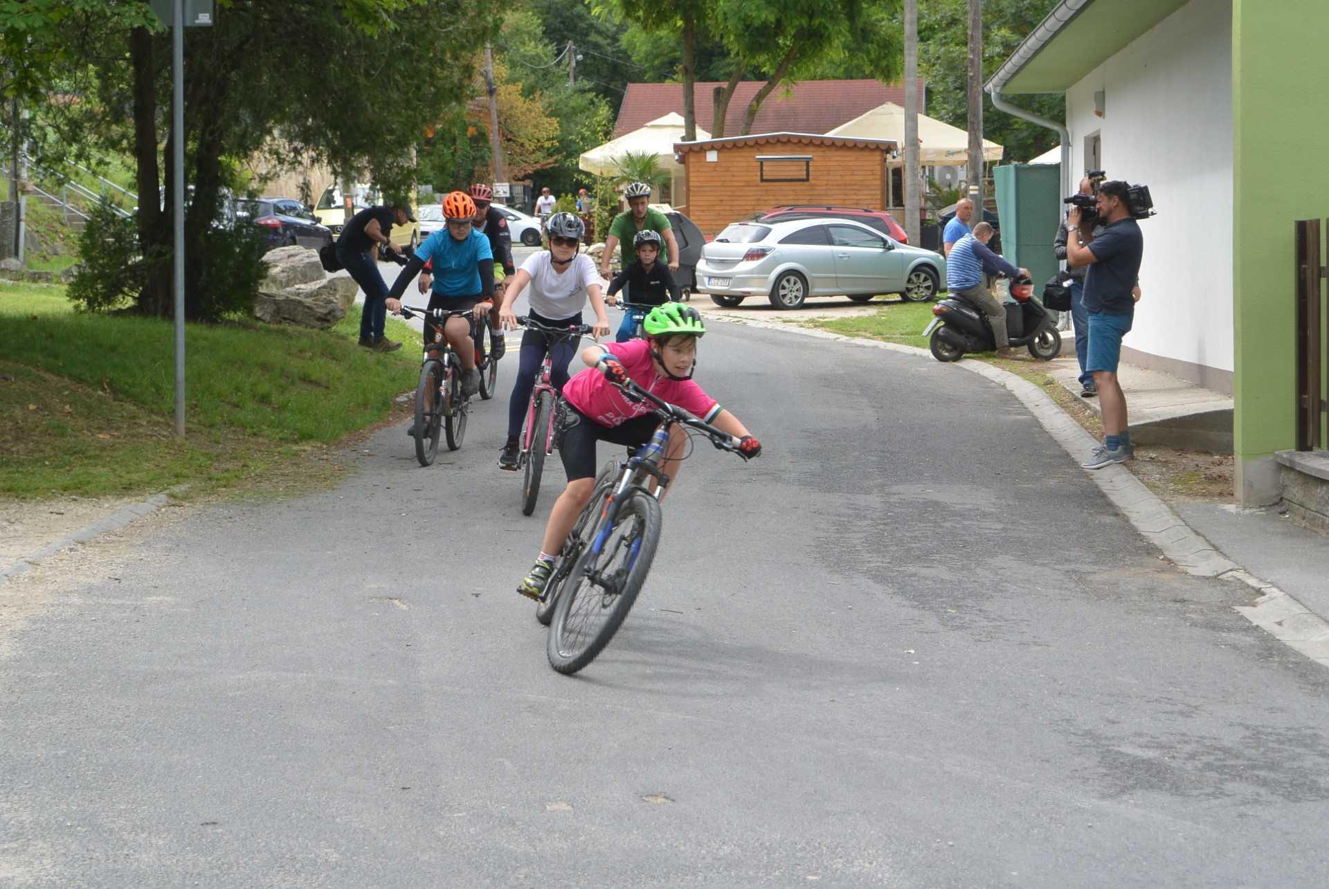 Megújult a kerékpárút Sopron és Fertőrákos között
