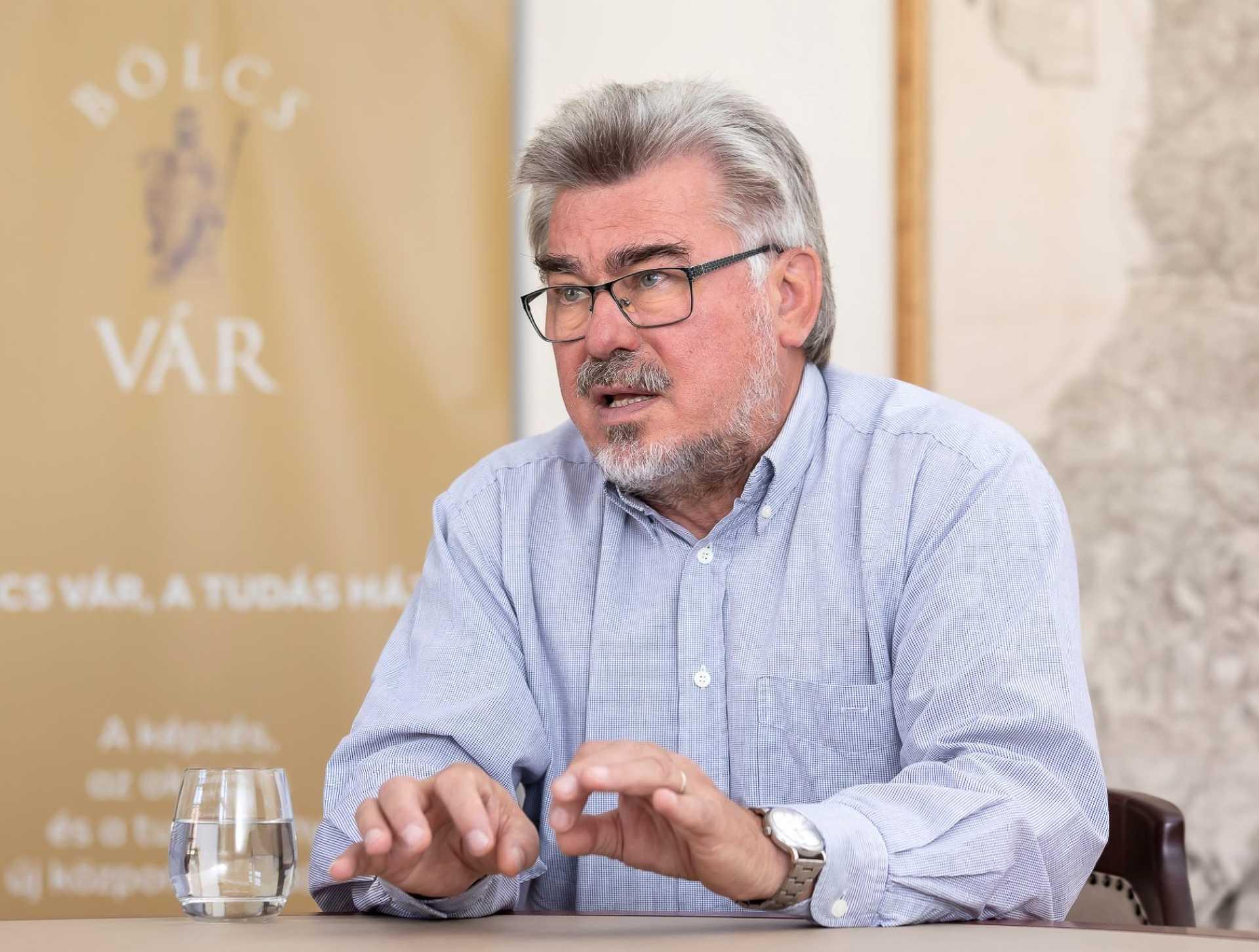 dr. Komlósi László Imre