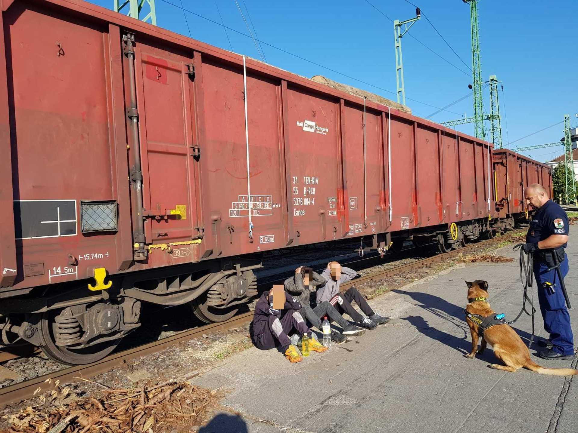 menekültek a vagonban