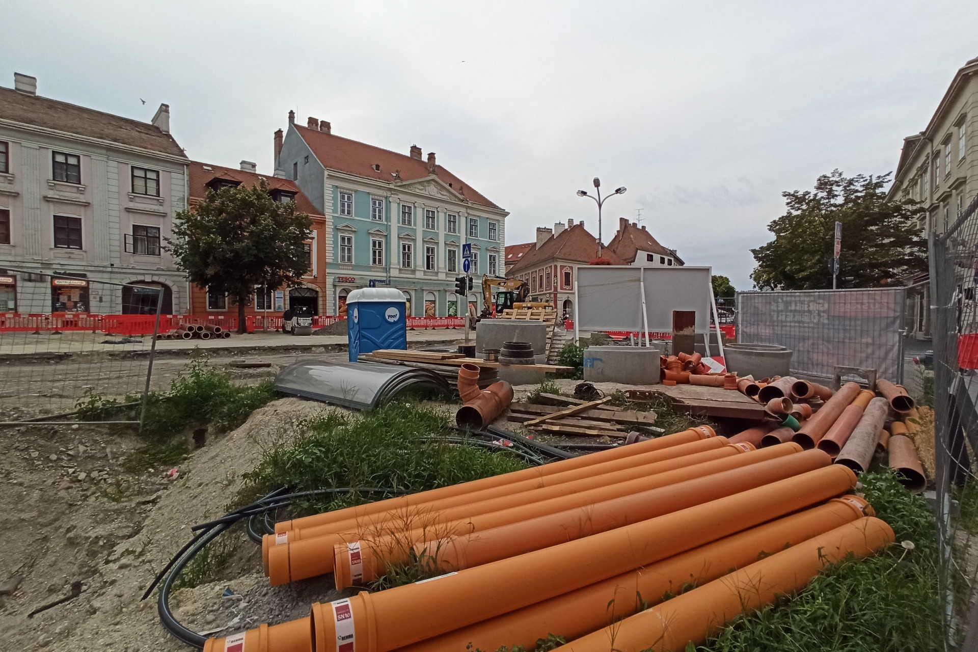 Zajlik a Várkerület felújítása 2020.08.02.