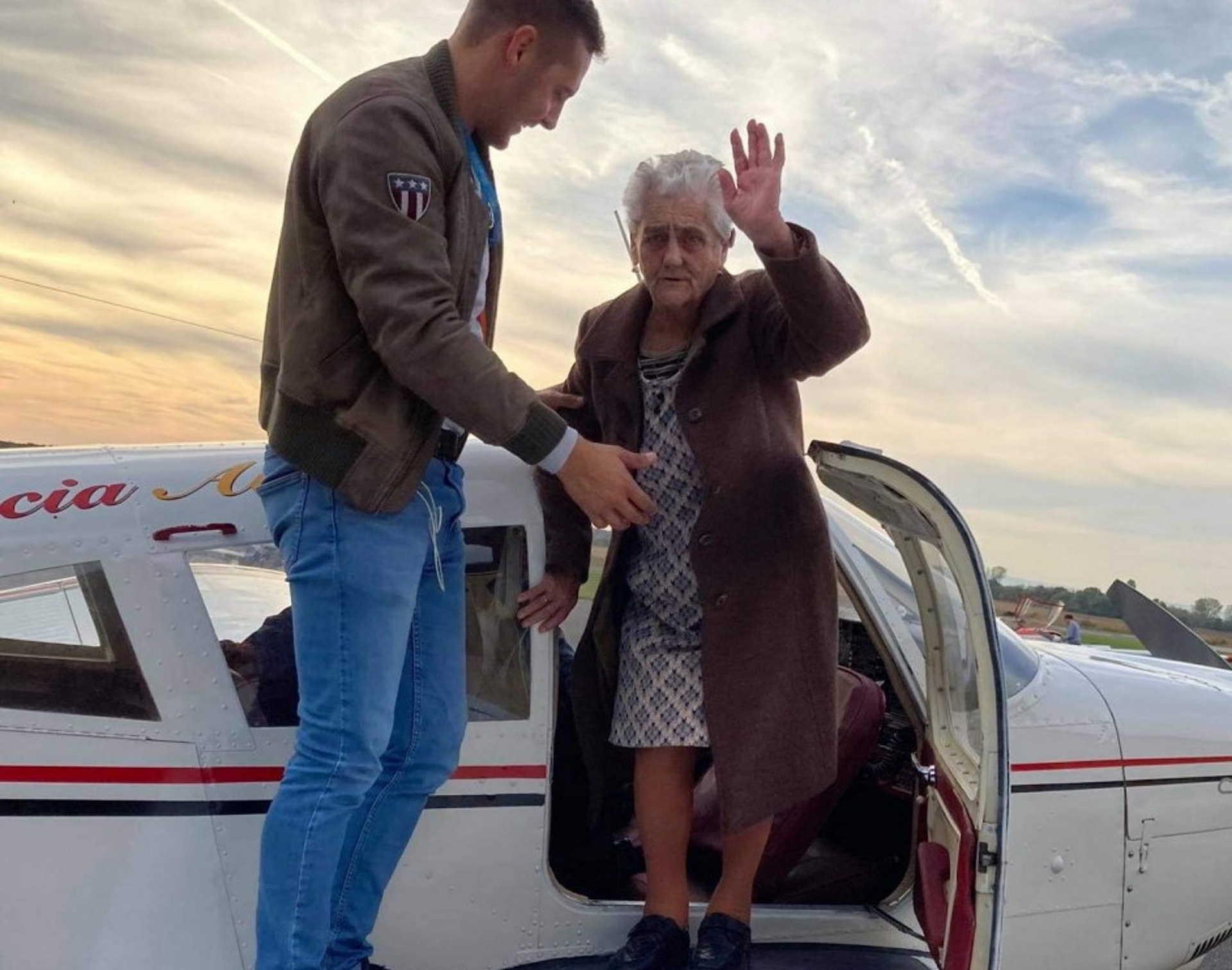Ilonka néni repül