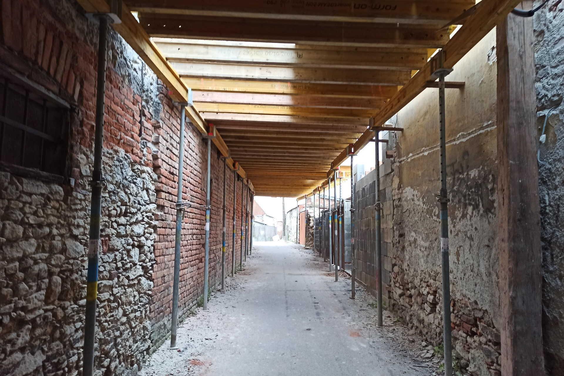 Felújítás alatt az egykori árvaház