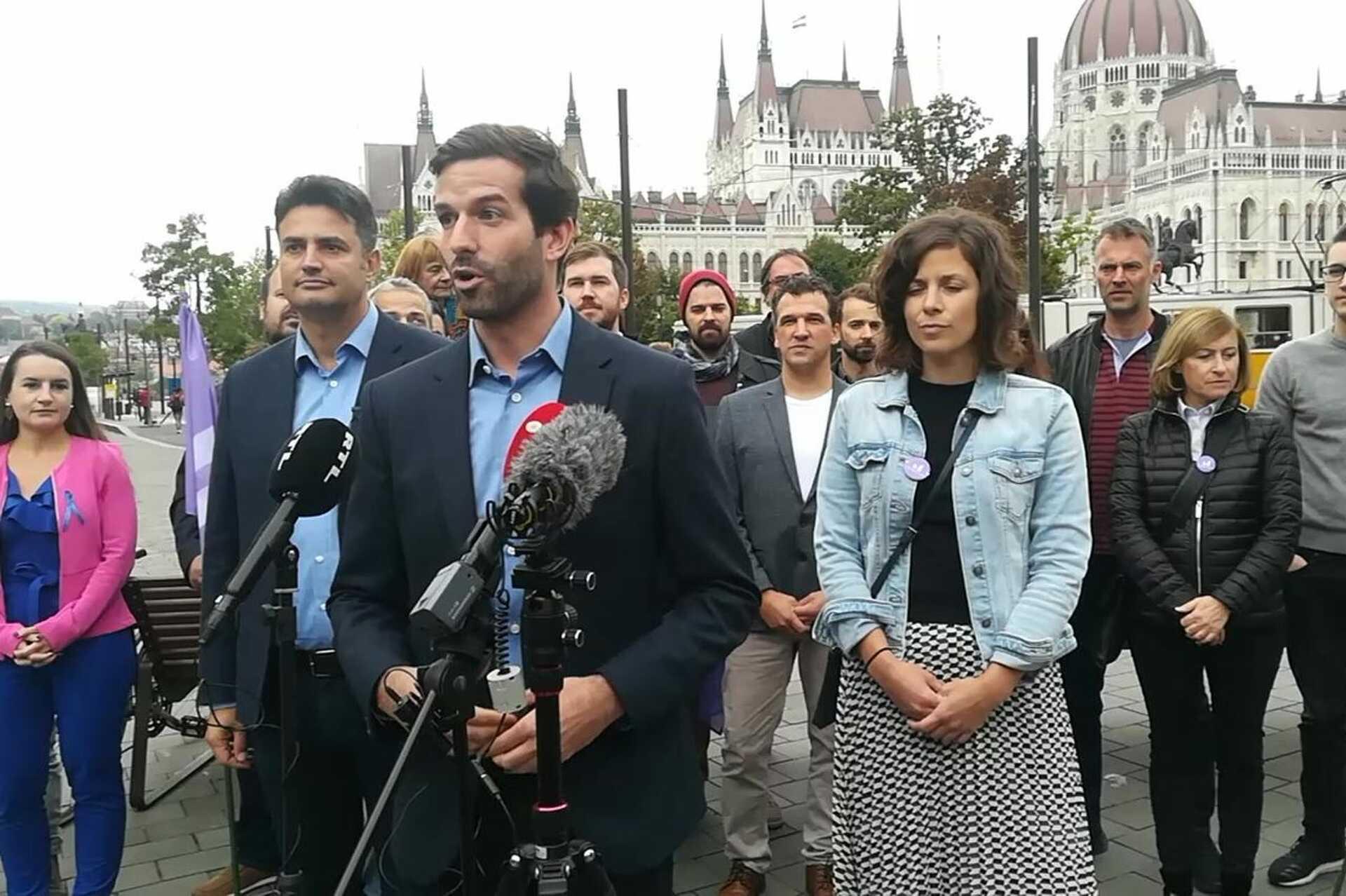 Fekete-Győr András bejelenti, hogy a Momentum Márki-Zay Pétert támogatja